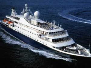 Yolcu gemileri Çanakkale'ye akın etti