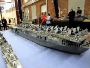 USS Intrepid adlı gemi görenleri şaşırtıyor
