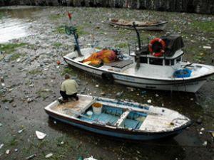 Zonguldak Limanı yine çöplüğe döndü