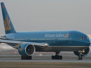 Vietnam uçağı türbülansa girdi: 24 yaralı