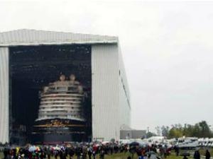 Disney Dream gemisi denize indirildi