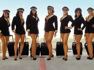 Mexicana Airlines hostesleri de soyundu