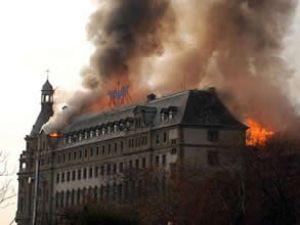 Haydarpaşa'da çıkan yangın söndürüldü