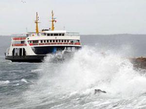 Şiddetli fırtına deniz ulaşımını durdurdu