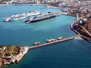 Kuşadası Limanı'nda 14 bin imza toplandı