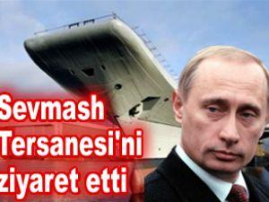 Vladimir Putin, nükleer denizaltıyı inceledi