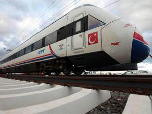 Ankara-Konya treni 220 km hıza ulaştı