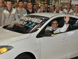 Elektrikli Renault Fluence banttan indi