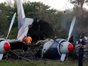 Rusya'da Antonov An-22 uçağı düştü