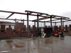 İskeledeki idari binanın yapımı sürüyor