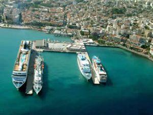 Kuşadası Limanı'ndaki gelişmeler ele alındı