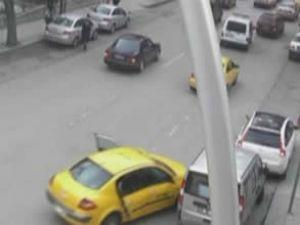 Öfkeli sürücüden inanılması güç kaza