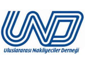 UND yönetiminde görev teslimi yapılıyor