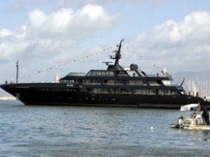 Armani'nin 60 milyon dolarlık yüzen sarayı
