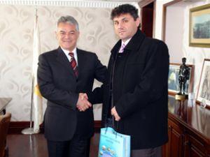 Simi'yi 6 bin Türk bayraklı yat ziyaret etti