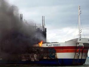 Feribot yangınında 13 kişi hayatını kaybetti