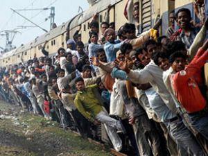 Hindistan'da tren faciası yaşandı