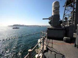 İran dev ABD savaş gemilerini durduracak