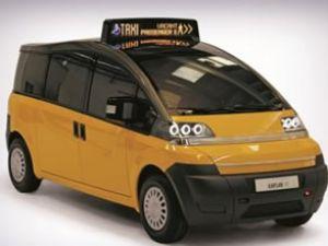 Karsan'ın taksisine üç ödül birden geldi