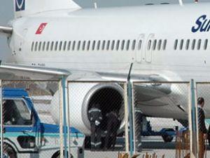 SunExpress uçağının motoruna kuş kaçtı