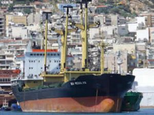 Yük gemisi Sea Resolve ile Arena çatıştı