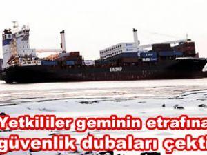 Godafoss gemisinden denize petrol sızıyor