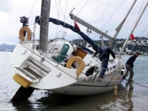 Gazipaşa Yat Limanı'nda tekne battı
