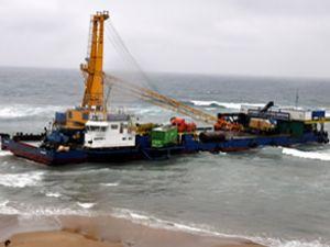 Karaya oturan Armarin 3 gemisi kurtarıldı