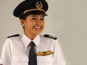 """Sorunlu yolcu: """"Pilot kadınsa ben uçmam"""""""