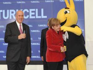 Merkel'den Turkcell'e sıcak karşılama
