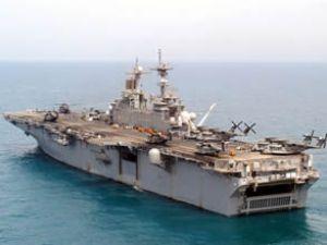 ABD savaş gemileri Süveyş Kanalı'na girdi