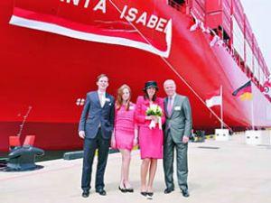 """Santa Isabel"" gemisi denize indirildi"