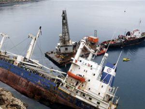Sea Bright gemisinin sökümüne başlandı