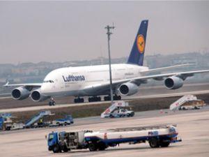 Lufthansa'nın A380 uçağı İstanbul'a indi