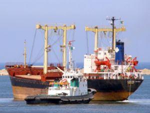 Costis gemisi Tayvan açıklarında su alıyor