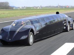 Hollandalı 'Süper Otobüs' test sürüşünde