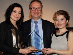 Schenker Arkas'a dünya çapında ödül