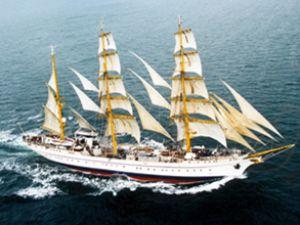 Hindistan, dört adet eğitim gemisi alıyor
