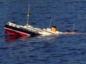 Kongo'da Kansai Nehri'nde gemi battı