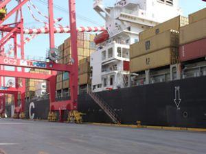 YILPORT'tan gemi operasyonunda rekor