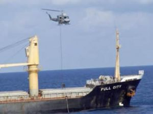TCG Giresun, gemiyi korsanlardan kurtardı