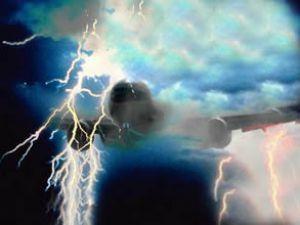 Filipinler uçağına yıldırım düştü