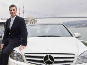 Mercedes, otomobil için zemin kolluyor