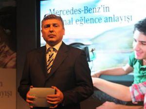 Mercedes'ten fabrika çıkışlı ekran sistemi