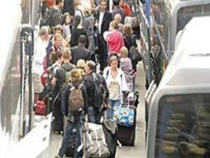 Seçim nedeniyle 7 milyon kişi yola düştü