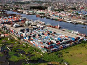 Liman yönetimi gecikmelerden şikayetçi
