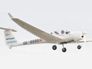 Siemens hibrit elektrikli uçağını tanıttı