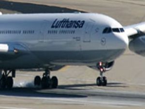 Lufthansa uçağı Mısır uçağına çarpıyordu