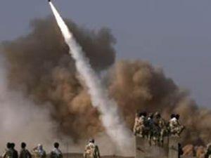 İran, 2 bin km'lik füzeleri denemeye başladı