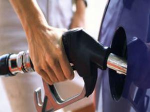 Benzinin litresi 4,22 liraya çıktı